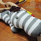 手作-襪子娃娃No22「捲毛斑馬」2.jpg
