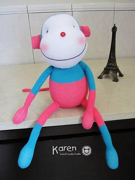 手作-襪子娃娃「藍桃猴」