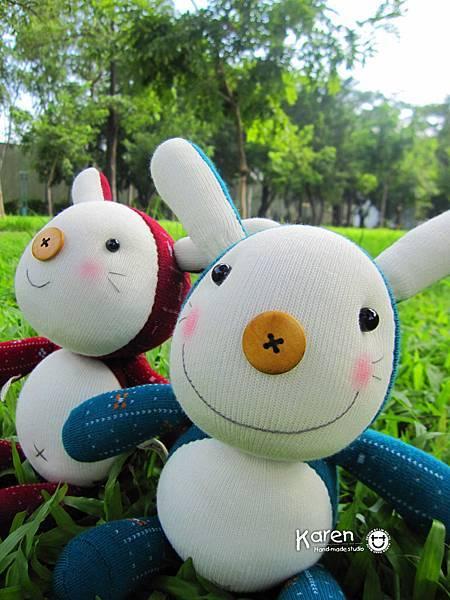 襪子娃娃-藍綠衣兔、紅衣兔