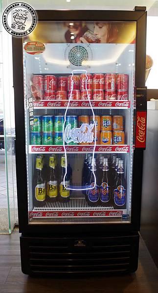 0環境-飲料bar5.jpg
