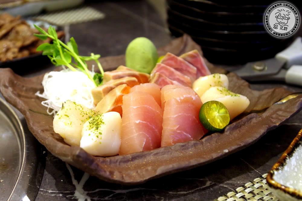 4料理-生魚片拼盤.jpg