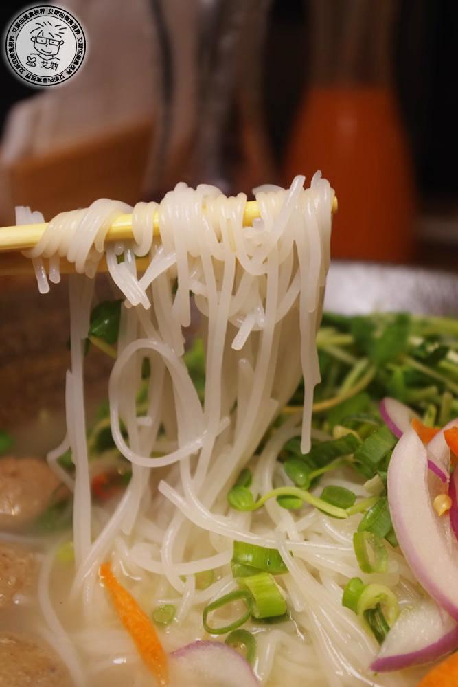 6清燉牛肉丸米線5.jpg