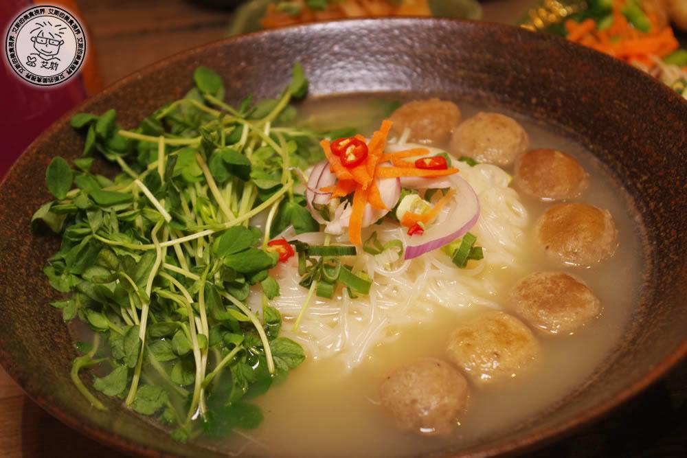 6清燉牛肉丸米線2.jpg