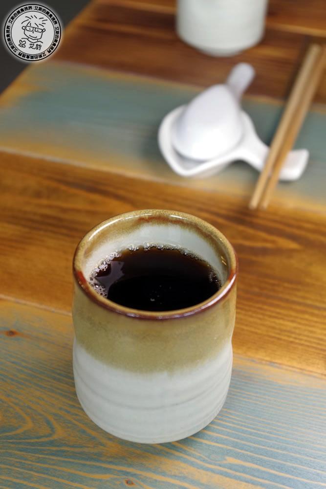4皇冠牛排飯4-關西仙草茶.jpg