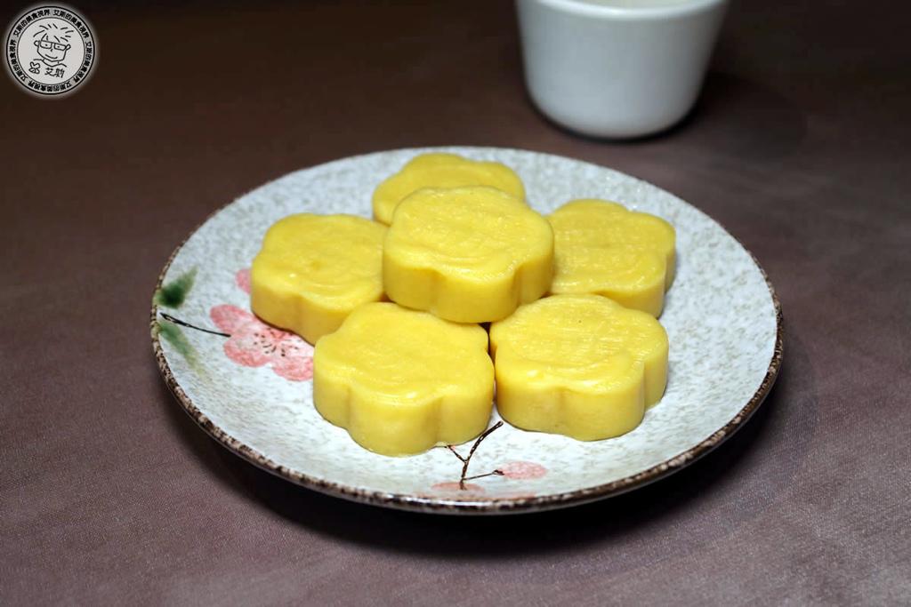 14新月綠豆糕.jpg