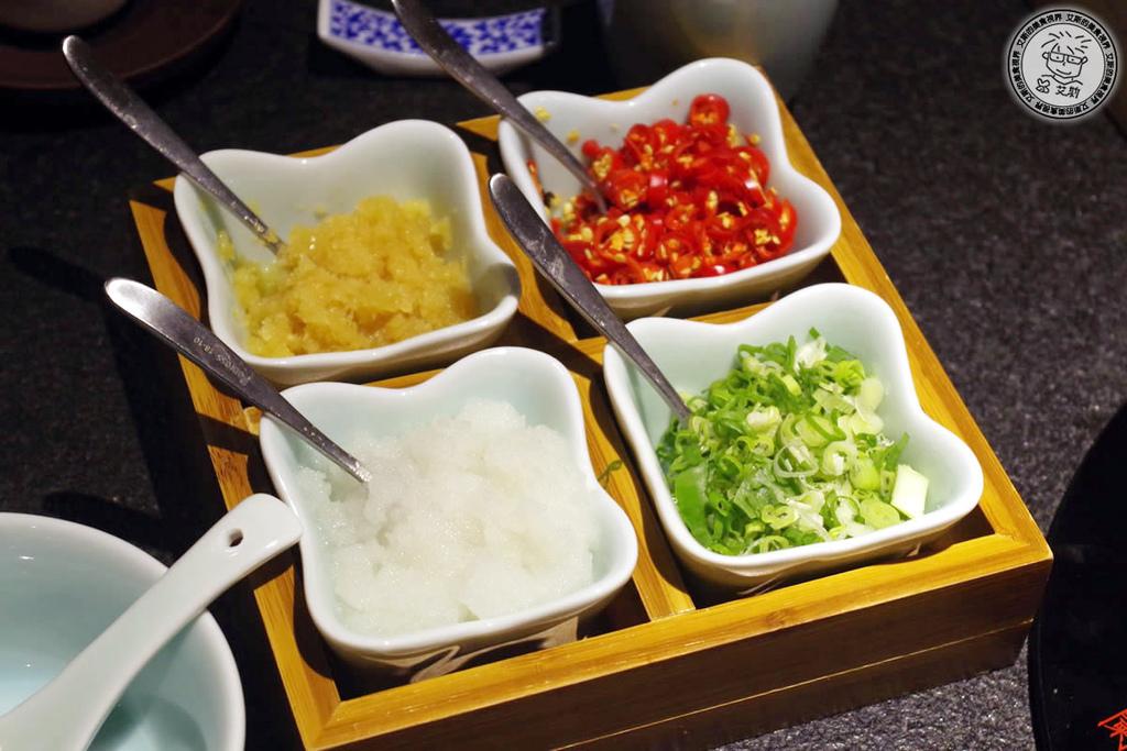 1鍋物湯底及調味料2.jpg