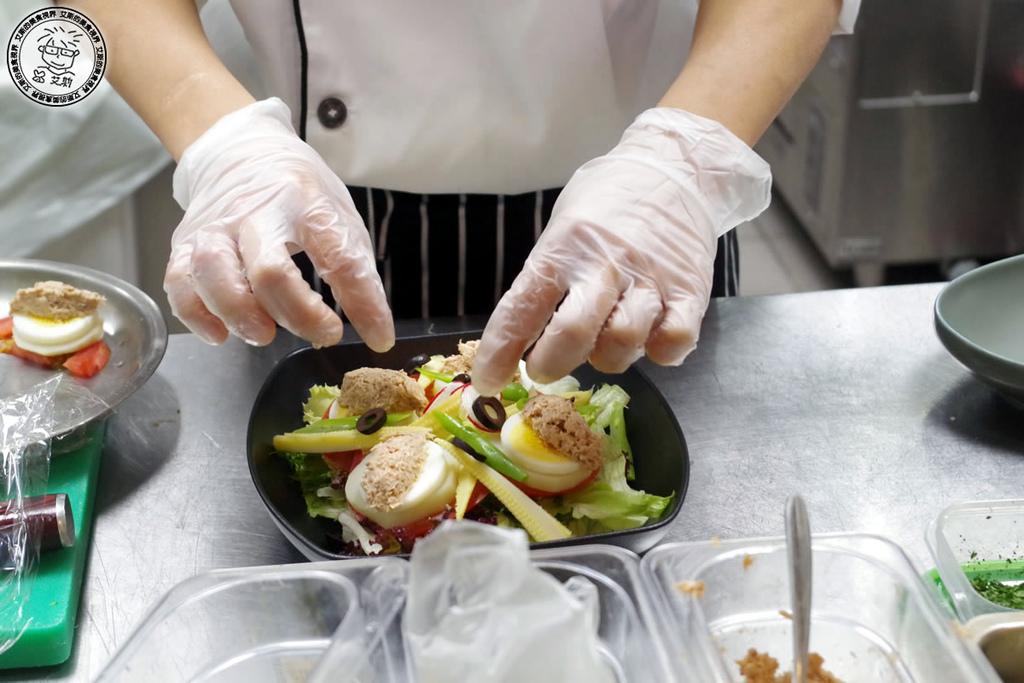 2雙人套餐-1南法尼斯鮪魚沙拉1.jpg