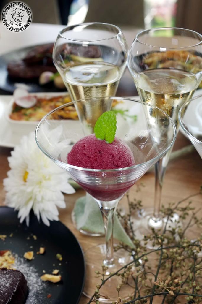 4甜點-2純紅酒義式雪酪.jpg