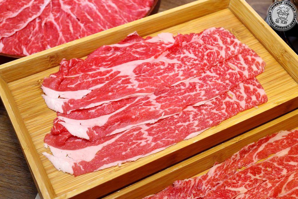 3肉5-背肩1.jpg