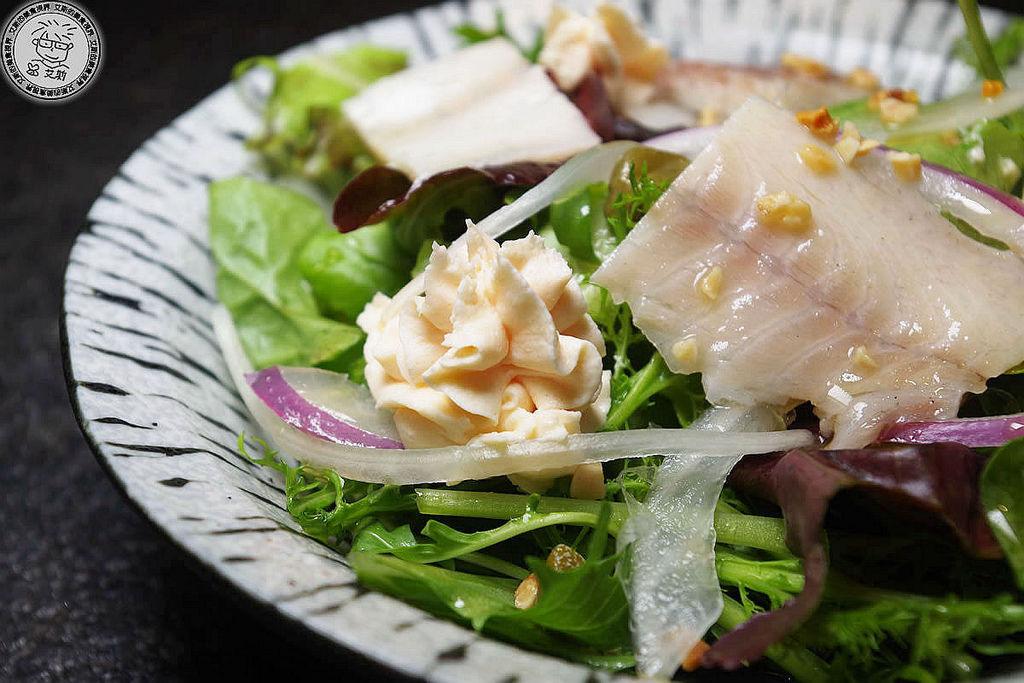 5鮭魚慕斯水耕蔬菜沙拉2.jpg