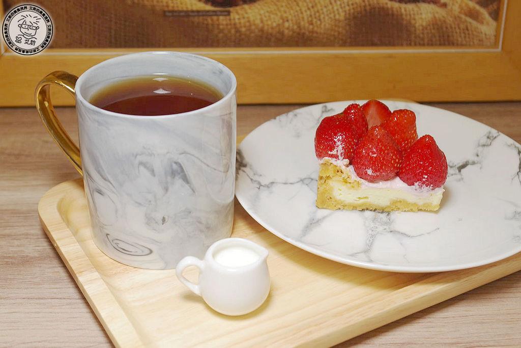4貝拉公主草莓乳酪3.jpg