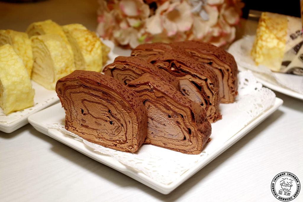 5法式生乳巧克力千層捲3.jpg