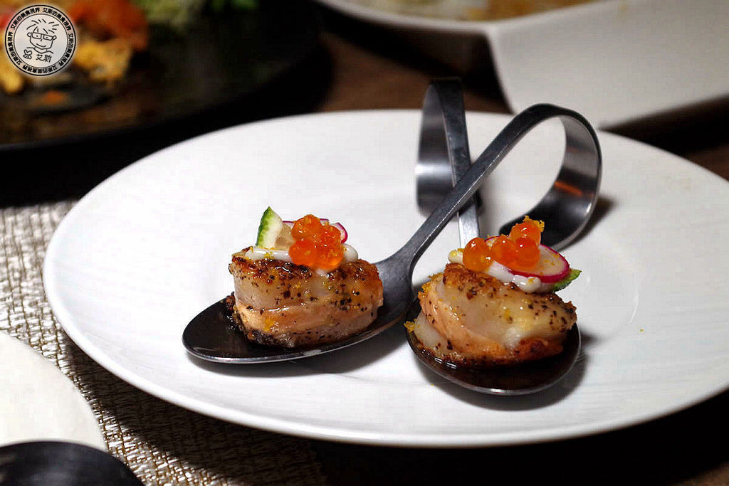 8干貝鮭魚卵佐烏魚子醬.jpg