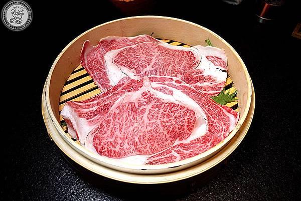 4蒸騰日本黑毛和牛A5肋眼1.jpg