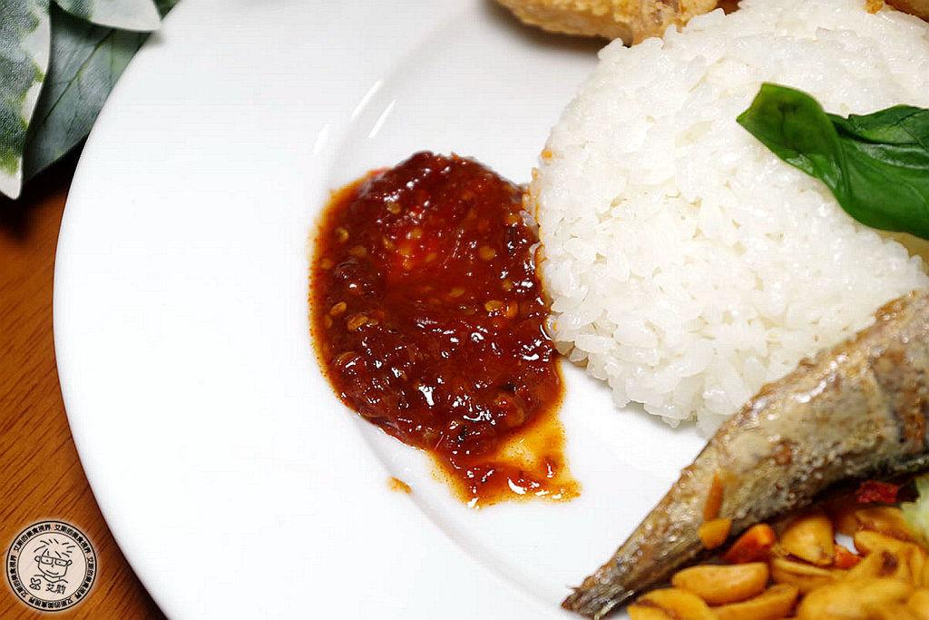 8印尼炸雞翅附飯2.jpg