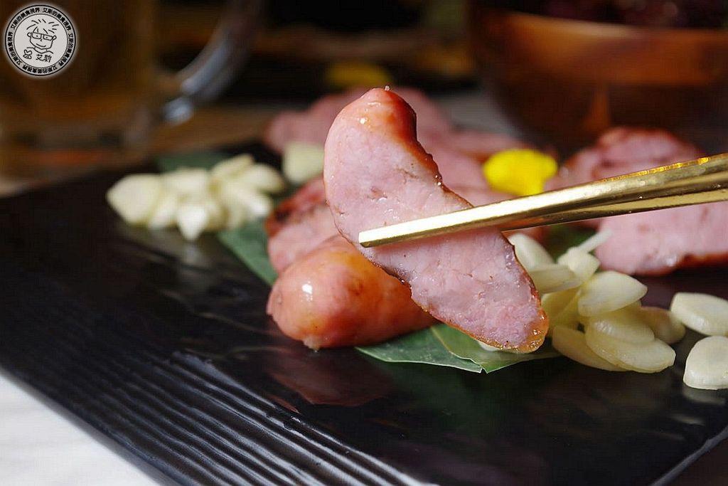 11黑豬肉香腸2.JPG