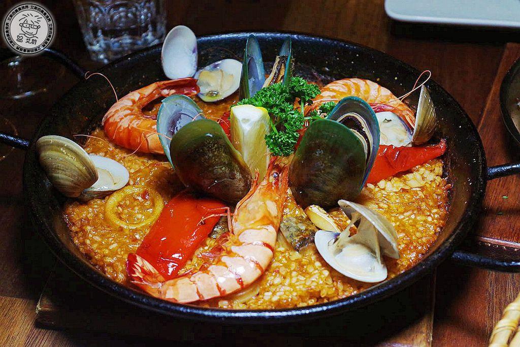 13西班牙海鮮大鍋飯1.jpg