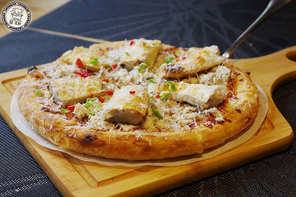 5六吋牛奶魚披薩2.jpg