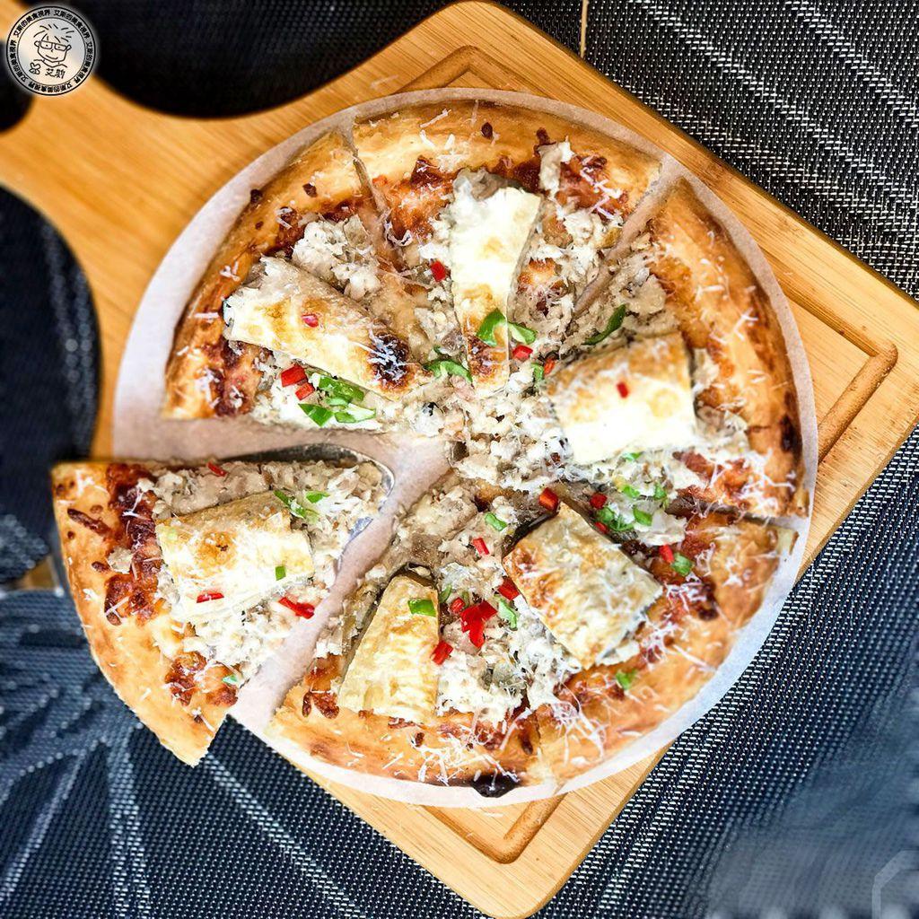5六吋牛奶魚披薩6.jpg