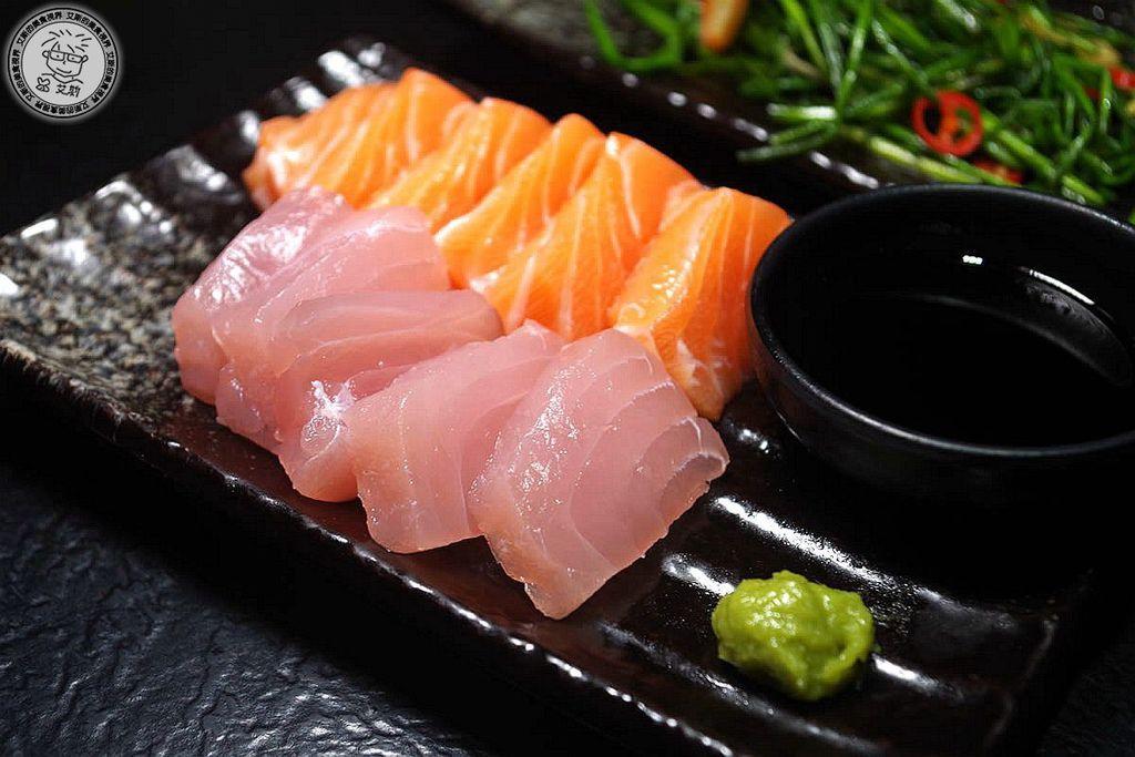 16生魚片拼盤.jpg