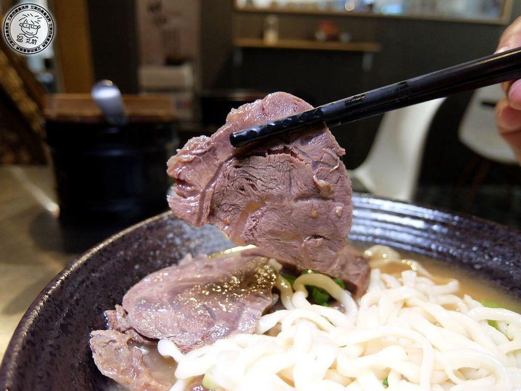 4牛肉麵(清燉)(小)2.jpg