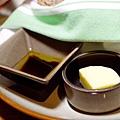2前菜-新鮮自製手工麵包3.jpg