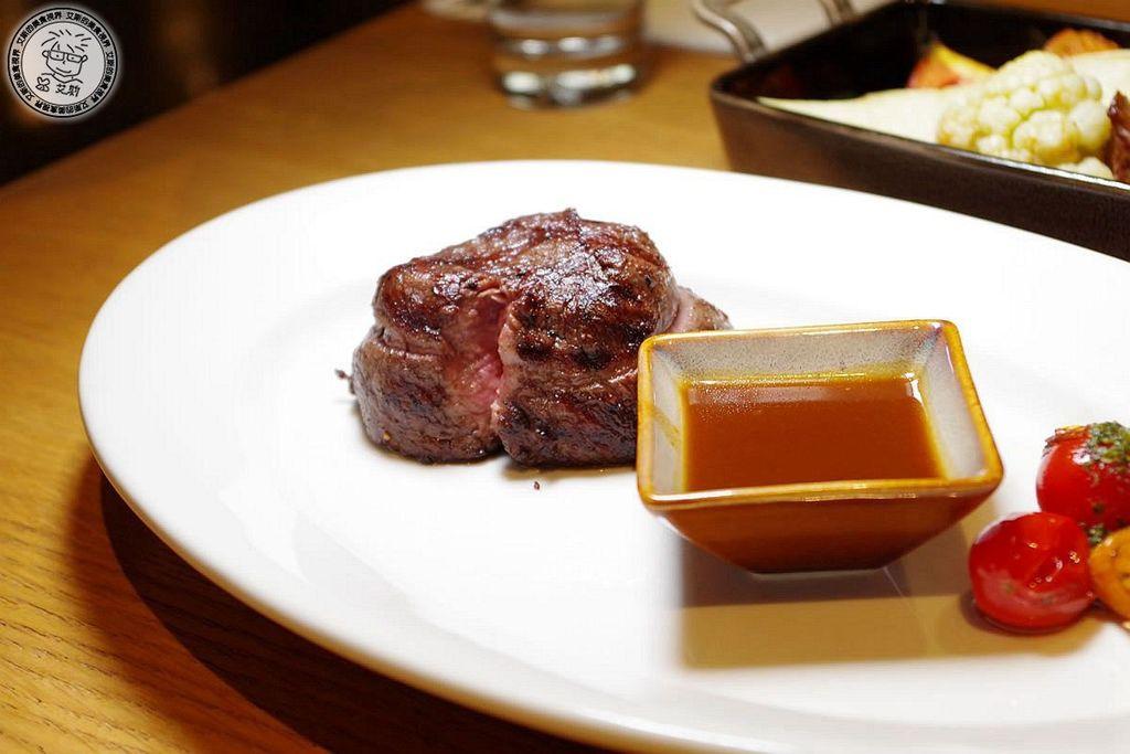 8主菜-美國頂級菲力牛排7oz1.jpg