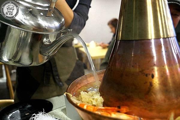 2酸菜白肉鍋11.jpg