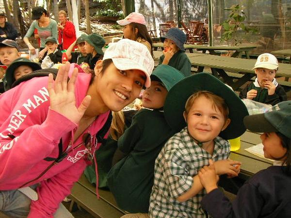 在澳洲遇見可愛的小孩們