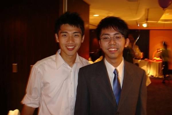 兩位成功高中校友