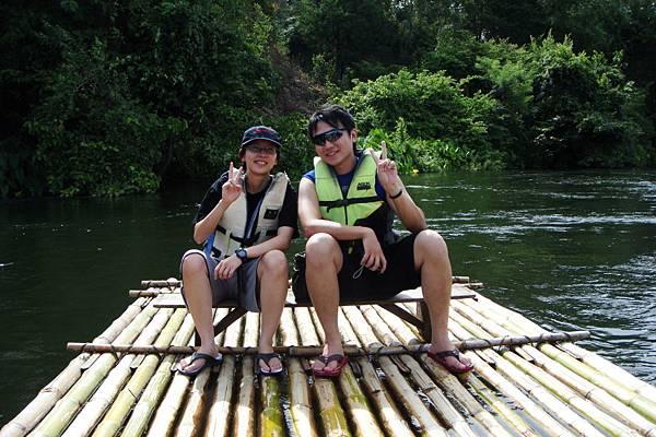 竹筏遊桂河
