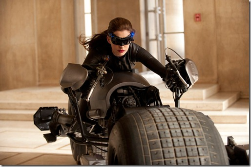 Anne-Hathaway-Catwoman-Photo