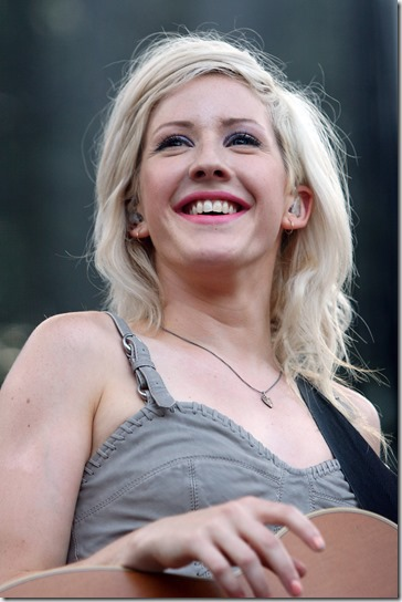 ellie-goulding-2000x3000-wallpaper-1617594