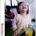招牌笑容─仰天長笑 XDD (其實我也不知她在笑啥?)