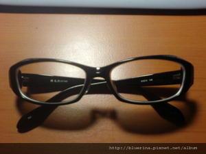 2006 黑框眼鏡.jpg