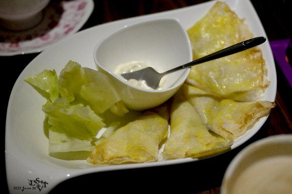 薄餅佐鮪魚醬