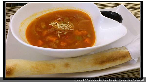 新竹竹北《斑馬 ZEBRA》番茄蔬菜湯