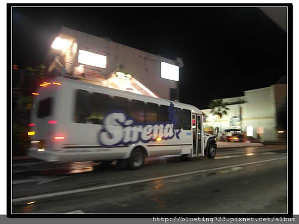 關島《The Shopping Bus》.jpg