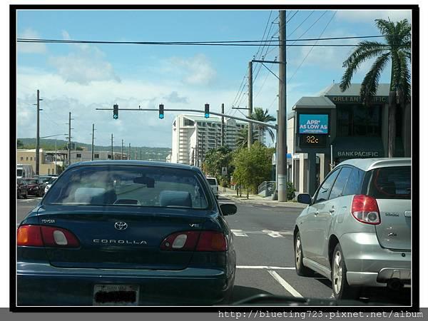 關島《開車經驗談》紅綠燈1.jpg