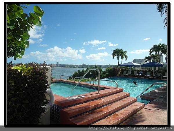 關島《希爾頓飯店Hilton Guam Resort & Spa》游泳池 2.jpg