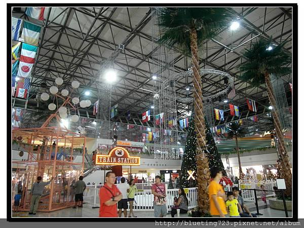 美國關島《 Micronesia Mall》1.jpg