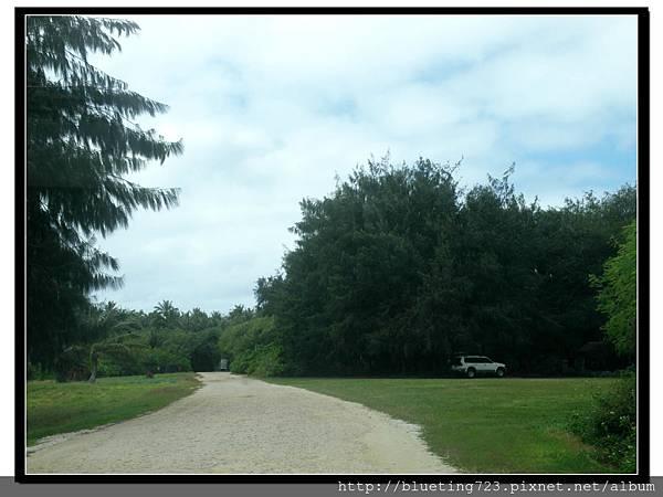 美國關島《瑞提迪恩岬Ritidian Point》路邊停車.jpg