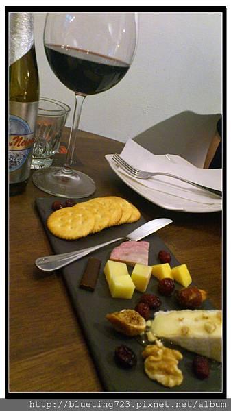 台北大稻埕《Le Zinc 洛 Café & Bar 》9.jpg