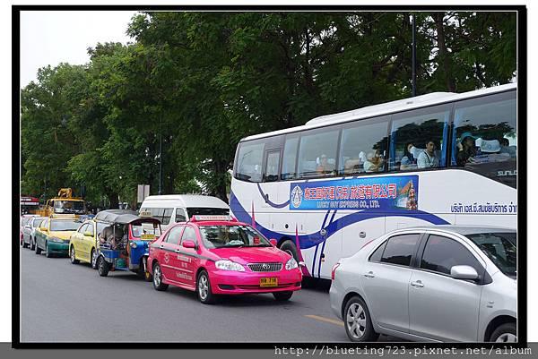 泰國曼谷《曼谷街頭一景》塞車.jpg