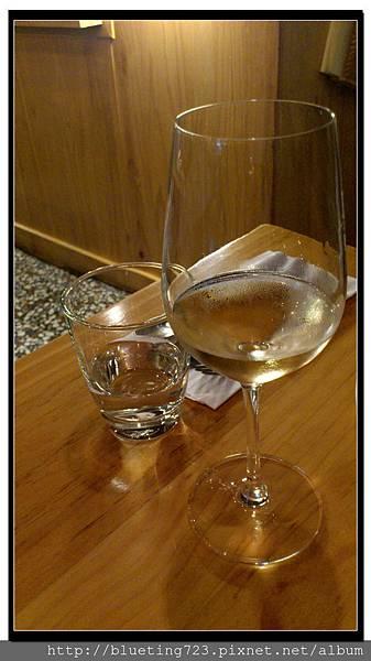 新竹竹北《彼刻義式餐酒館Piccola Enoteca》白酒.jpg