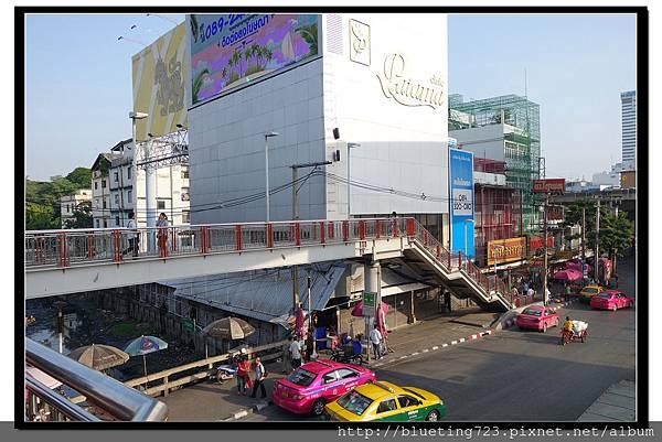 泰國曼谷《勝利紀念碑Mini Van》高架橋下 1.jpg