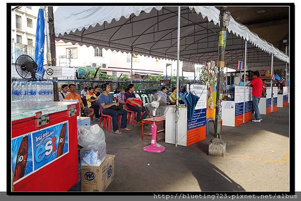 泰國曼谷《勝利紀念碑Mini Van》高架橋下 4.jpg