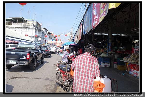 泰國《Maeklong美功鐵道市場》2.jpg