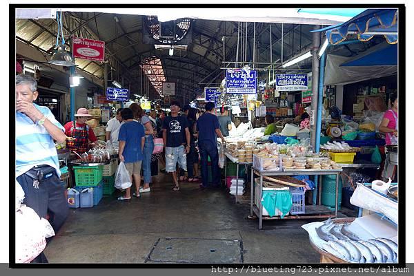 泰國《Maeklong美功鐵道市場》3.jpg