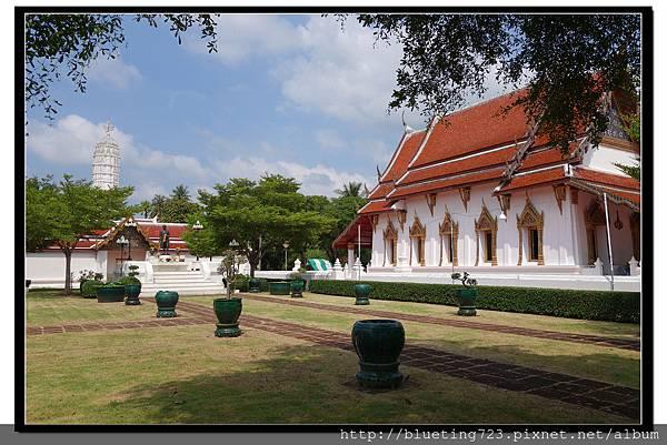 泰國《Samut Songkhram夜功府》Wat Amphawan 2.jpg